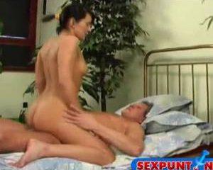Strakke tiener meisjes sex met een geile opa