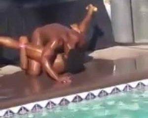 Gespierde negers hebben kont sex op pool party