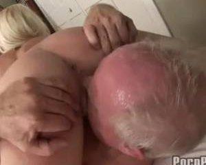 Opa beft geile tiener klaar